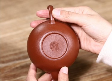 史宗娟紫砂壶作品|梨皮朱泥一粒珠壶220CC手工真品价值