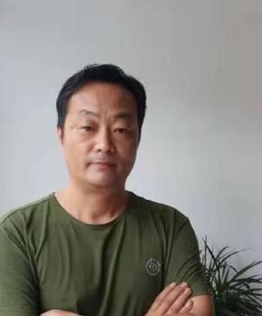 紫砂壶工艺师吴伟琪名家照片