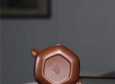 宋晓伟紫砂壶作品|文革紫泥六方禅心壶320CC纯手工真品行情