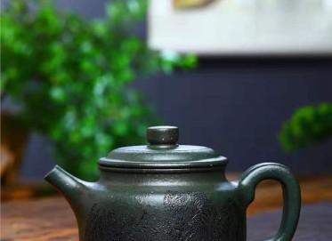 陶金兰紫砂壶作品|翡翠绿泥虎虎生威壶680CC全手工真品价位