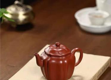 陶金兰紫砂壶作品 原矿大红袍菱花宫灯壶180CC手制正品怎么样