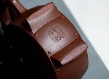 宋晓伟紫砂壶作品|文革紫泥福在眼前壶360CC纯手工真品价值