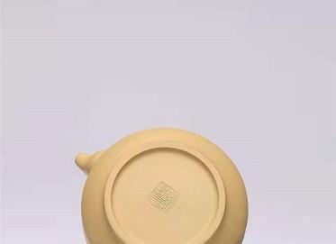 杨慧英紫砂壶作品|原矿黄金段泥汉君壶300CC手工真品多少钱