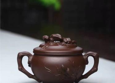 刘莹紫砂壶作品 原矿紫泥松鼠葡萄套组壶400CC纯手工真品价位