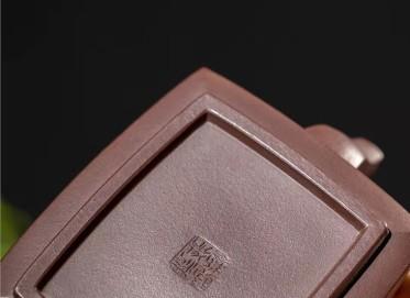 范微琴紫砂壶作品|紫茄泥牛转乾坤壶320CC手工真品价值