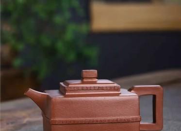 何其仙紫砂壶作品 原矿底槽清如意四方壶400CC手工真品价位