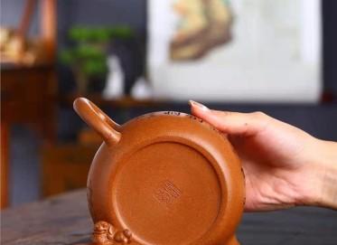 潘雪锋紫砂壶作品|蟹黄段泥大蕴德钟壶550CC手制真品价格