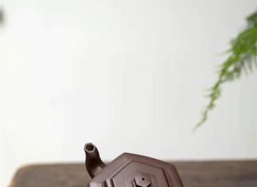 范微琴紫砂壶作品|原矿紫泥六方雪华壶400CC纯手工真品价格表