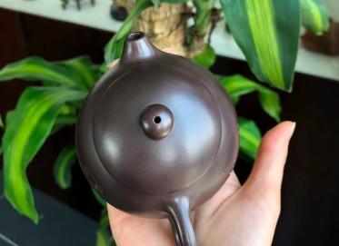 徐峰紫砂壶作品 益思养性西施壶 黑泥 210cc  助理工艺美术师 徐峰紫砂壶价格,多少钱