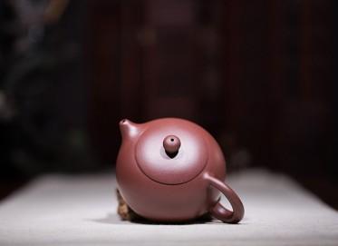 范盛紫砂壶作品 西施壶 紫泥 250cc 光器 工艺美术员 范盛紫砂壶价格,多少钱