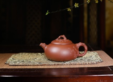 钱文英紫砂壶作品 梅壶 清水泥 340cc  工艺美术师 钱文英紫砂壶价格,多少钱
