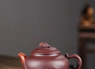 杨军保紫砂壶作品 莲年有余壶 原矿老紫泥 220cc  工艺美术师 杨军保紫砂壶价格,多少钱