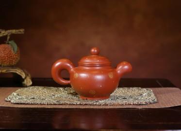 鲍玉华紫砂壶作品 道洪掇只壶 朱泥 350cc 描金 工艺美术师 鲍玉华紫砂壶价格,多少钱