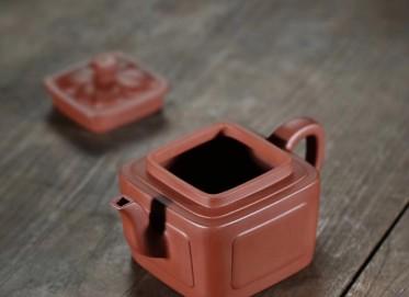 张伟军紫砂壶作品 四方如意壶 原矿底槽清 350cc  高级工艺美术师 张伟军紫砂壶价格,多少钱