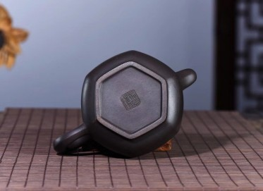 范永芳紫砂壶作品 六方锦华壶 极品天青朱泥 380cc  工艺美术师 范永芳紫砂壶价格,多少钱