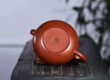 王其明紫砂壶作品 仿古壶 极品大红袍 220cc  工艺美术师 王其明紫砂壶价格,多少钱