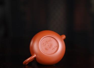 紫砂壶作品 孟臣款梨形壶 朱泥 250cc 光器  紫砂壶价格,多少钱