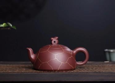 张伟军紫砂壶作品 玉兔壶 家藏优质原矿紫泥 300cc  高级工艺美术师 张伟军紫砂壶价格,多少钱