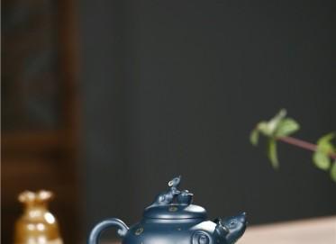 张雪军紫砂壶作品 墨绿泥鼠来宝壶 310CC 国家级工艺美术师 张雪军紫砂壶价格,多少钱