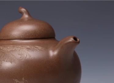 束旦生紫砂壶作品 茄段壶 底槽清 500CC 研究员级高级工艺美术师 茄段紫砂壶价格,多少钱