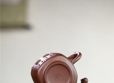 徐勤紫砂壶作品 原矿紫泥祥狮壶 470CC 国家级高级工艺美术师 徐勤紫砂壶价格,多少钱