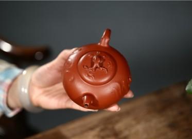 姚华君紫砂壶作品 其乐融融壶 原矿朱泥 270CC 国家级工艺美术师 姚华君紫砂壶价格,多少钱