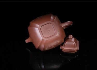 束旦生紫砂壶作品 四方掇球壶 紫泥 740CC 研究员级高级工艺美术师 四方掇球紫砂壶价格,多少钱