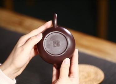 张雪军紫砂壶作品 原矿紫泥西施壶 270CC 国家级工艺美术师 张雪军紫砂壶价格,多少钱