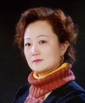 紫砂壶工艺师刘莹名家照片