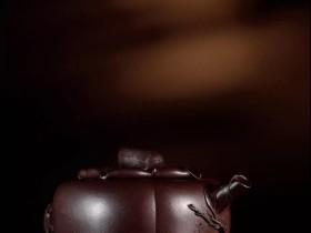 紫砂壶拍卖|陈鸣远制《松鼠柿子壶》拍出2280万元
