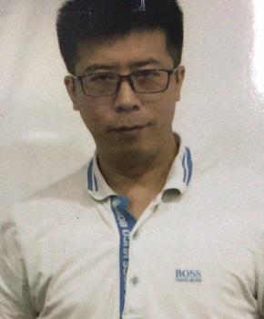 紫砂壶工艺师范春荣名家照片