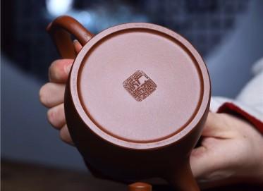 尹建新紫砂壶作品 原矿底槽清井栏壶 500CC 国家级工艺美术师 尹建新紫砂壶价格,多少钱