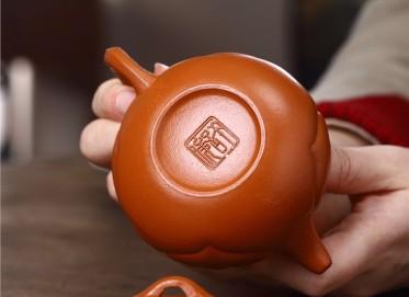 许俊紫砂壶作品 原矿朱泥仿古如意壶 180CC 国家级工艺美术师 许俊紫砂壶价格,多少钱