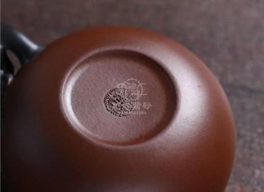 蒋艺华紫砂壶作品|原矿紫泥枇杷壶330CC手工真品价格