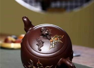 朱正琴紫砂壶作品|原矿紫泥五福临门壶550CC全手工正品价值