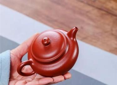 杨鹏紫砂壶作品|小煤窑朱泥仿古壶200CC手制真品价位