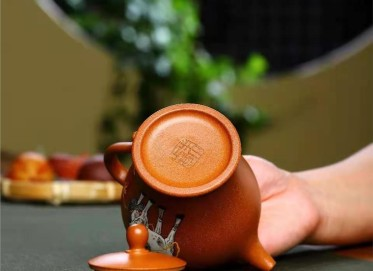朱正琴紫砂壶作品|五彩段泥马到成功壶290CC手制正品价位