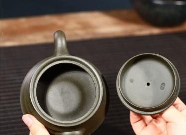 史宗娟紫砂壶作品|原矿绿泥步步高升壶210CC纯手工真品价值