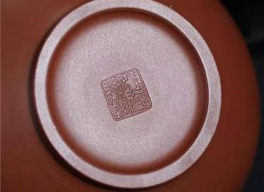 陈亚萍紫砂壶作品|原矿底槽清华颖壶420CC全手工真品价位