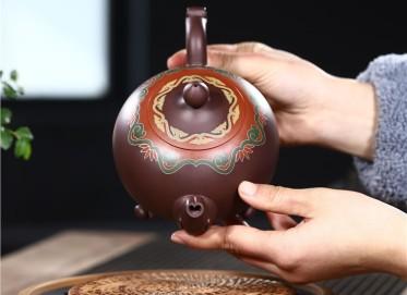 范君浩紫砂壶作品|紫茄泥顺心如意壶550CC手工真品价值