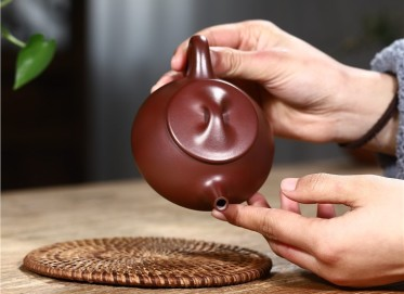 史宗娟紫砂壶作品|石红料景舟石瓢壶180CC手工真品价格