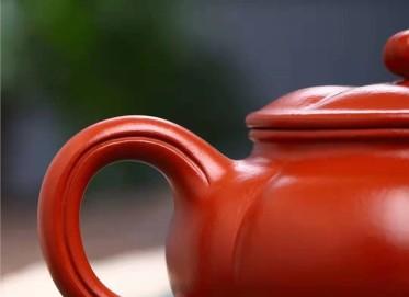 王其明紫砂壶作品 原矿大红袍扁菊菱壶270CC手工正品价值