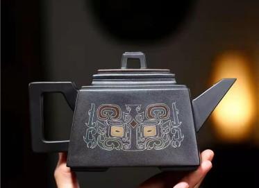秦国萍紫砂壶作品|黑料升方壶450CC手工正品怎么样