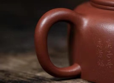 高俊紫砂壶作品|金陵传砂牛盖莲子壶500CC手制真品价值
