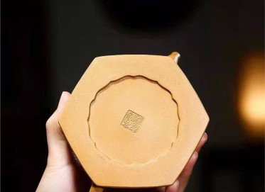 高俊紫砂壶作品 原矿黄金段泥六方菊花菊瓣壶270CC全手工真品价格