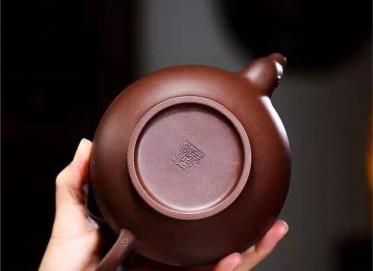 高俊紫砂壶作品 原矿紫泥龙珠壶530CC手工真品价值