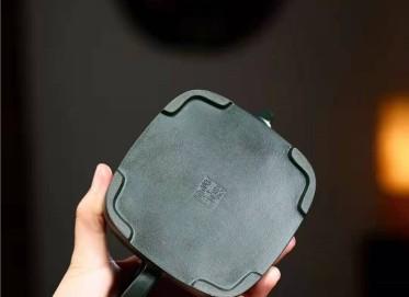 高俊紫砂壶作品 民国绿泥孤棱壶320CC手工正品价位