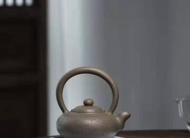 高俊紫砂壶作品|蟹壳青翠珠提梁壶400CC手制真品怎么样