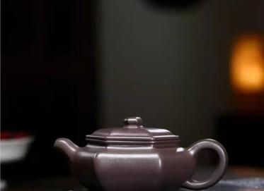 秦国萍紫砂壶作品|天青泥六角扁腹壶230CC手工正品价值