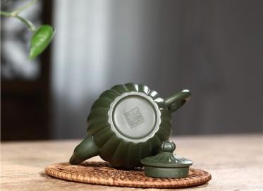韩洪波紫砂壶作品|民国绿泥筋纹双龙壶250CC手工真品多少钱